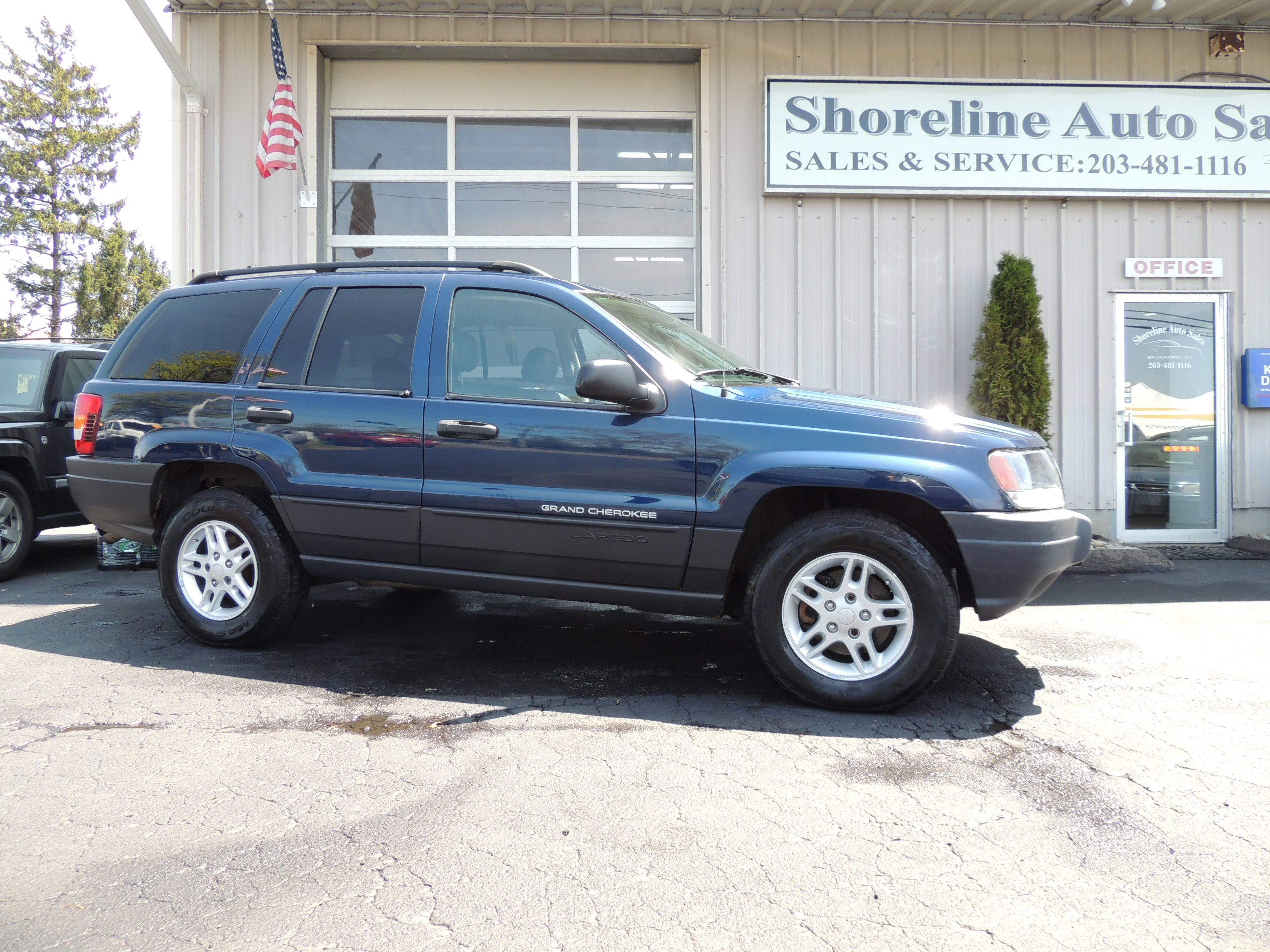 2002 jeep grand cherokee v8 shoreline auto sales. Black Bedroom Furniture Sets. Home Design Ideas